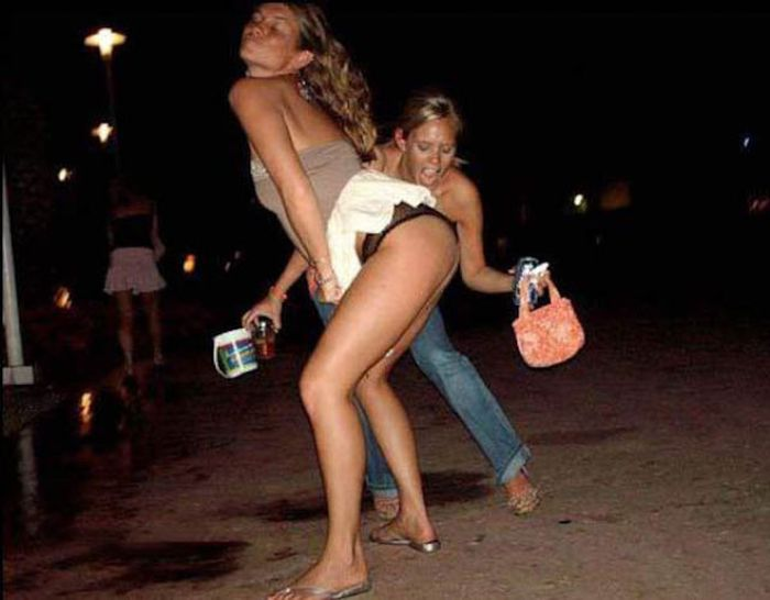 Lascivious babes getting wet and screwed hardcore at the drunk party № 1022667  скачать